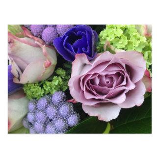 Cartão Postal Flores parisienses roxas