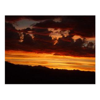 Cartão Postal Fogo no crepúsculo
