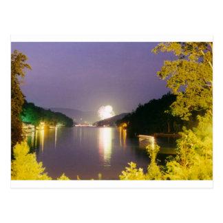 Cartão Postal fogos-de-artifício da atração do lago