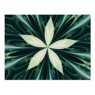 Cartão Postal Folhas do branco em um caleidoscópio verde da