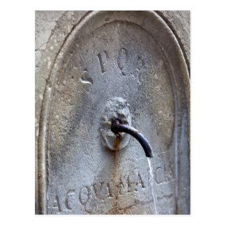 Cartão Postal Fonte de água pública romana antiga