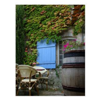 Cartão Postal France, Les Baux de Provence, pátio do café