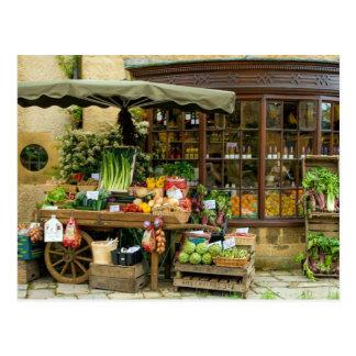 Cartão Postal Fruta e loja inglesa colorida da vila de Veg