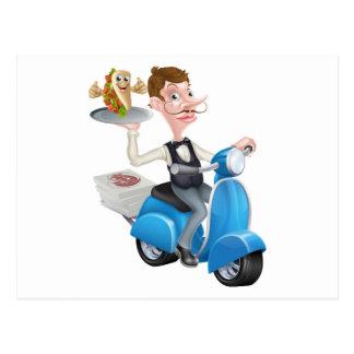 Cartão Postal Garçom no Moped do patinete que entrega o