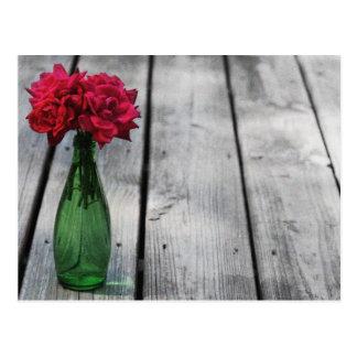 Cartão Postal garrafa verde das rosas vermelhas