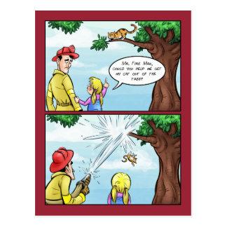 Cartão Postal Gato colado em desenhos animados da árvore