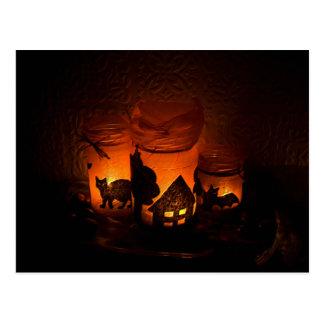 Cartão Postal Gato preto do Dia das Bruxas com luminares e