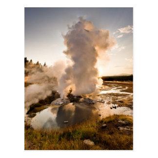 Cartão Postal Geyser da borda, bacia do geyser de Norris