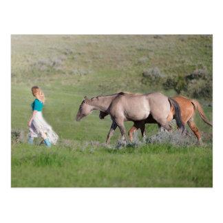 Cartão Postal Girl with horses
