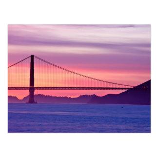Cartão Postal Golden gate bridge no por do sol