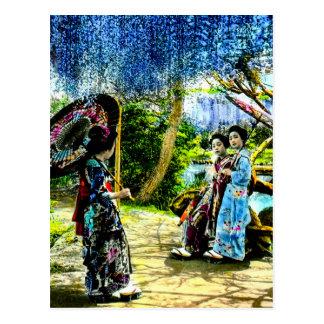 Cartão Postal Gueixa do vintage no jardim Japão velho das
