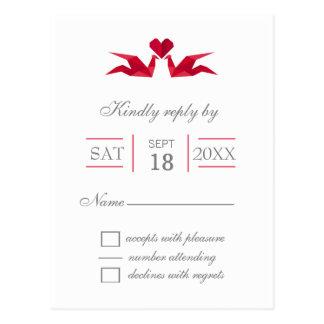 Cartão Postal guindastes vermelhos do origami que wedding o rsvp