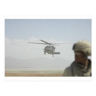 Cartão Postal Helicóptero que pegara tropas