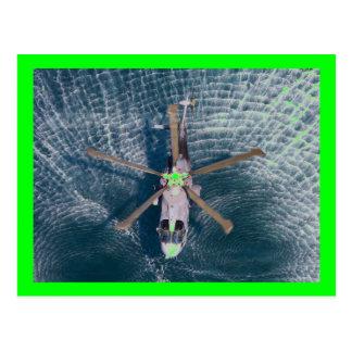 Cartão Postal helicóptero sobre a água