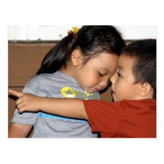 Cartão Postal Hey olhar do Sis! Brother&Sister pequeno taiwanês