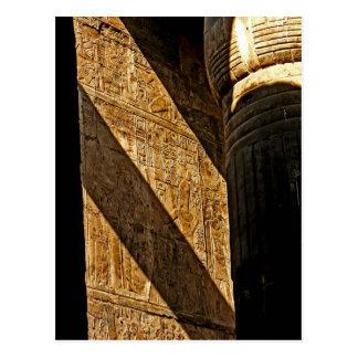 Cartão Postal Hieroglyphics na sombra