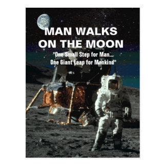 Cartão Postal Homem no pulo gigante da lua para a humanidade
