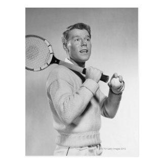 Cartão Postal Homem que guardara a raquete de tênis