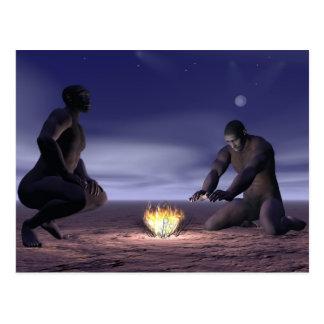 Cartão Postal Homo erectus e fogo - 3D rendem