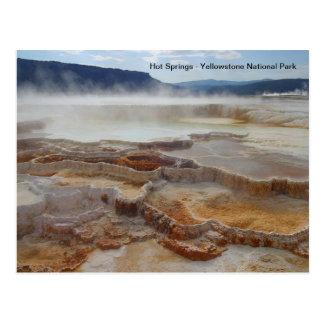Cartão Postal Hot Springs no parque nacional EUA de yellowstone