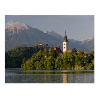 Cartão Postal Igreja da suposição na ilha no lago