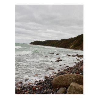 Cartão Postal Ilha Sobressaíram em Mar Báltico