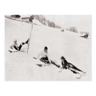 Cartão Postal Imagem do esqui do vintage, caindo para baixo