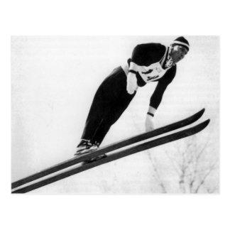 Cartão Postal Imagem do esqui do vintage, descolando!