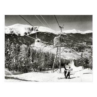 Cartão Postal Imagem do esqui do vintage, elevador de esqui