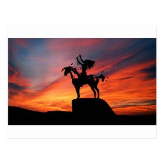 Cartão Postal Indiano e cavalo do nativo americano