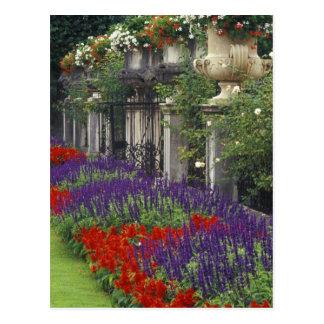 Cartão Postal Jardim no palácio de Mirabell, Salzburg, Áustria
