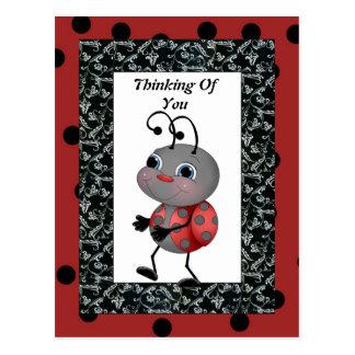 Cartão Postal Joaninha dos desenhos animados que pensa de você