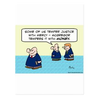 Cartão Postal Justiça da têmpera do juiz com dinheiro do
