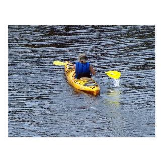 Cartão Postal Kayaking no rio