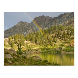 Cartão Postal Lago Cecret com o arco-íris sobre o castelo do
