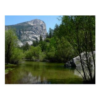 Cartão Postal Lago mirror mim no parque nacional de Yosemite