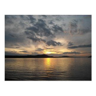 Cartão Postal Lago no por do sol