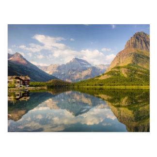 Cartão Postal Lago Swiftcurrent com muitos hotel da geleira e