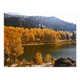 Cartão Postal Lake Tahoe na paisagem da queda/inverno