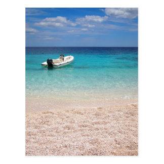Cartão Postal Lancha no mar azul