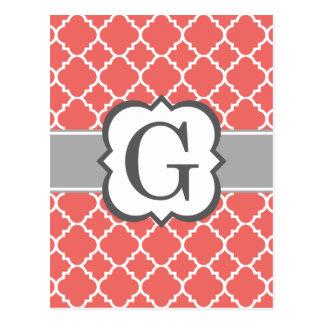 Cartão Postal Letra branca coral G Quatrefoil do monograma