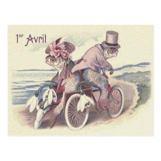 Cartão Postal Lírio do oceano do mar da bicicleta do casal dos