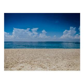 Cartão Postal Litoral azul de Sandy do horizonte