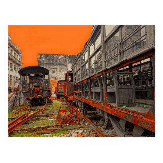 Cartão Postal Locomotivas e vagões velhos oxidados do trem