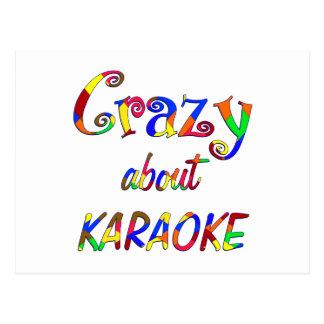 Cartão Postal Louco sobre o karaoke