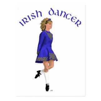 Cartão Postal Louro irlandês do dançarino no azul