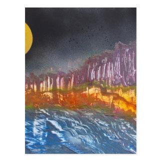 Cartão Postal Lua amarela sobre a paisagem metamórfica