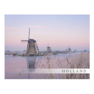 Cartão Postal Luz macia do nascer do sol no inverno sobre