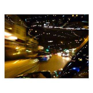 Cartão Postal Luzes da noite do tráfego