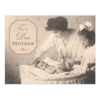 Cartão Postal Mãe e crianças do vintage